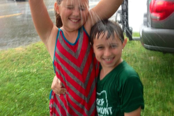 FMarket Kids in Rain